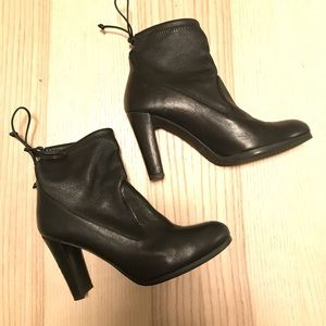 Stuward Weitzman Ankle Boots